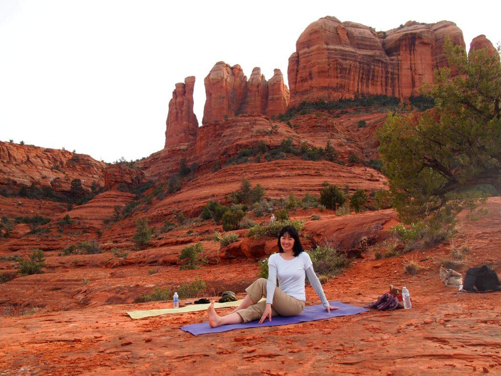 Sedona red rock yoga tour